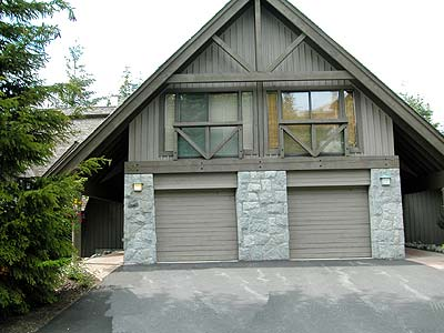 Vacation rentals whistler british columbia pinnacle ridge 30 Whistler cabin rentals